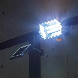 明るい!人感センサー付LEDライト ソーラー充電式(800ルーメン)