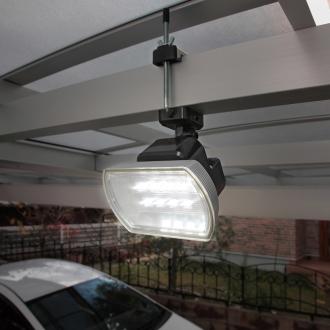 明るい!人感センサー付LEDライト 乾電池式(400ルーメン)