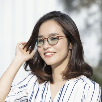 Near-infrared cut thin color sunglasses