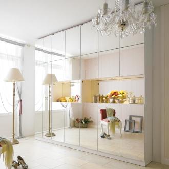 美しく飾れるシューズクローゼット 照明ライト付き 下駄箱幅119.5cm高さ180cm