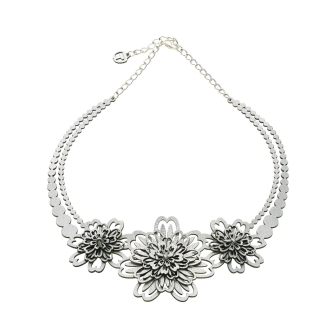 GINTA / Ginta daisy necklace