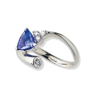 Pt Tanzanite diamond design ring