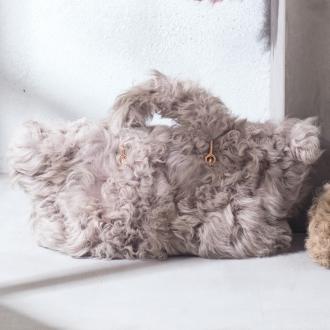 casselini / Kyaserini lamb fur Tote