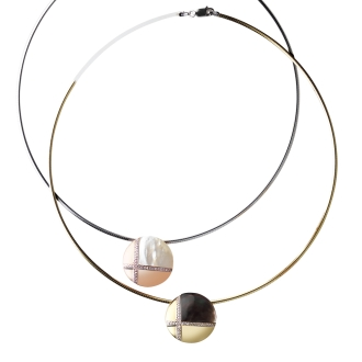 entiere / Antiere SV shell design omega necklace