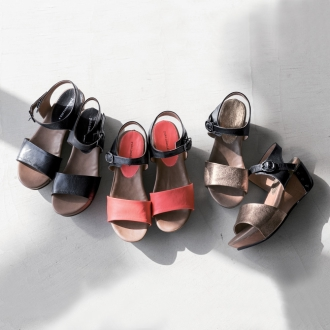 Yuko Imanishi plus sandals