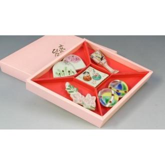 Kyo Kyo Hinamatsuri chopstick rest set