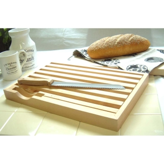 Set of cutting board and knife crumbs does not mess up [bread
