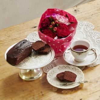 【母の日ギフト】神戸ベイシェラトンホテル&タワーズチョコレートケーキと紅茶&そのまま飾れるブーケセット
