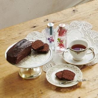 【母の日ギフト】神戸ベイシェラトンホテル&タワーズチョコレートケーキと紅茶&ハーバリウム(2本セット)