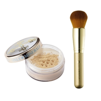 Only mineral medicinal whitening Foundation (7g) + a great deal of brush