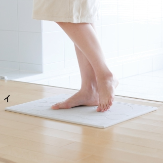 Diatomaceous earth (diatomaceous earth) foot free bath mat compact
