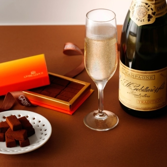 【通常お届け】グランプラス 生チョコシャンパン(8個入×4箱)