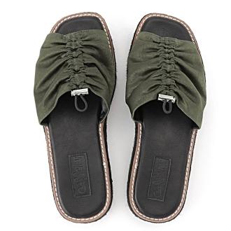 Casselini / Kyaserini剪切凉鞋